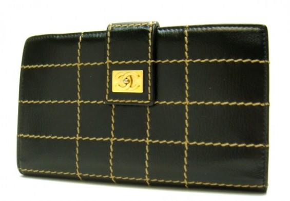 シャネル ワイルドステッチ 二つ折り 長財布