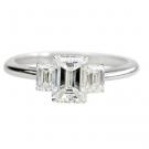 ダイヤモンドの宝石 エメラルドカット ダイヤモンド リング