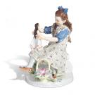 マイセン 人形と遊ぶ少女  :150,000円