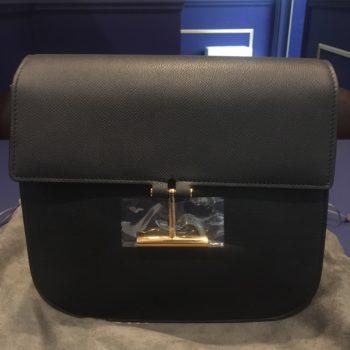 トムフォードTara Crossbody bag 未使用 黒 付属 ストラップ 買取価格31000円