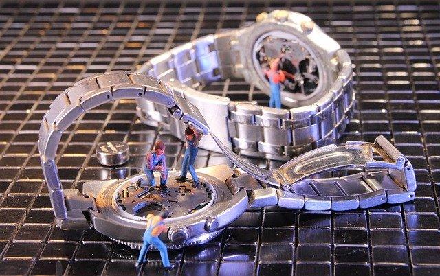 耐磁時計の見分け方