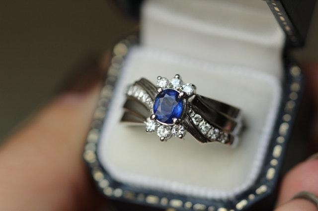 ダイヤモンドそのもの以外に準備するもの